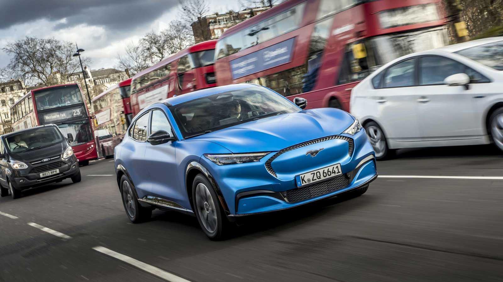 """Ford představuje v Evropě nový Mustang Mach-E a spouští novou roadshow """"Go Electric"""""""