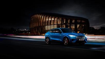 Elektrický Ford Mustang Mach-E přináší výkon, styl i svobodu pro novou generaci řidičů | Elektrický Ford Mustang Mach-E přináší výkon, styl i svobodu pro novou generaci řidičů