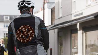 """Emoji bunda pomáhá lidem """"dělit se o silnici"""""""